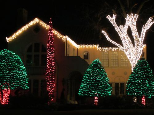 Highland Park Christmas Decorations