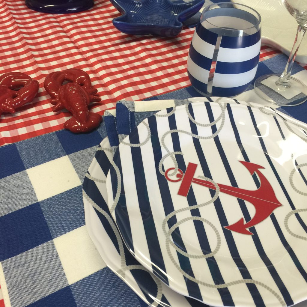 Patriotic dinnerware